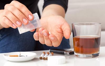 Злоупотребление наркотиками и спиртным - Лето