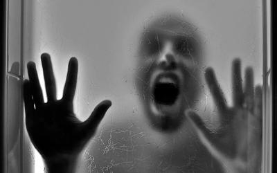 Иногда болезнь протекает с паническими атаками - Лето