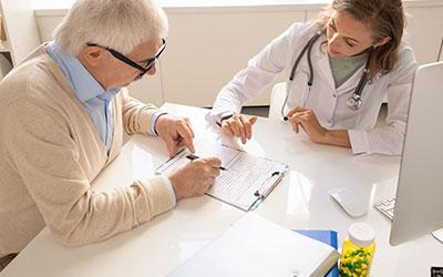 Особенности лечения амнезии у пожилых людей - Лето